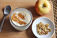 Easy, No-Cook Apple Oatmeal