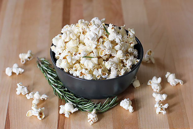 Rosemary Garlic Popcorn Recipe