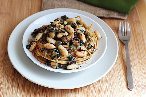 White Beans with Mushrooms and Kale over Whole Wheat Pasta Recipe