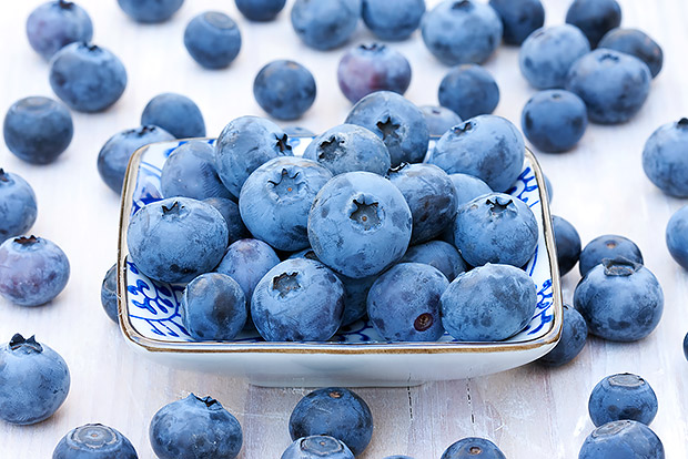20 Superfoods to Eat Now
