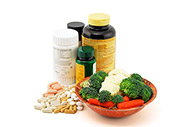 5 Reasons to Get Your Nutrients from Food vs Supplements