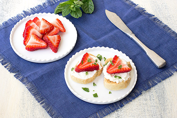 Ricotta Toasts with Fresh Strawberries Recipe